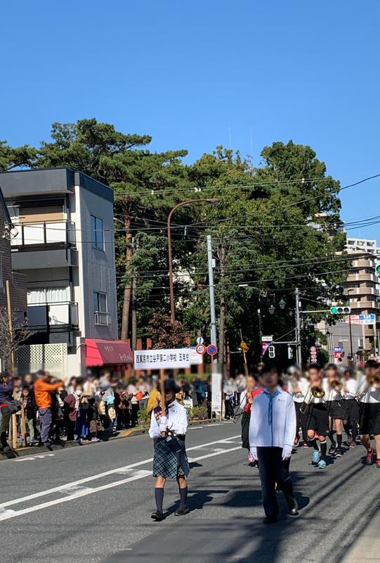 市民祭のパレードで谷戸第二小学校の生徒達が参加しました