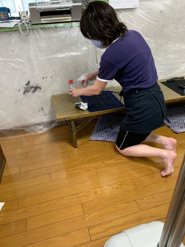 生徒の入れ替え時と教室終了後には必ず除菌作業を徹底しています