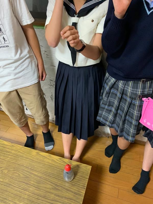 高校受験を前にした中学生が、塾と部活とで忙しくなり、中学二年生の時に退会した生徒達が続々と戻って来ました。